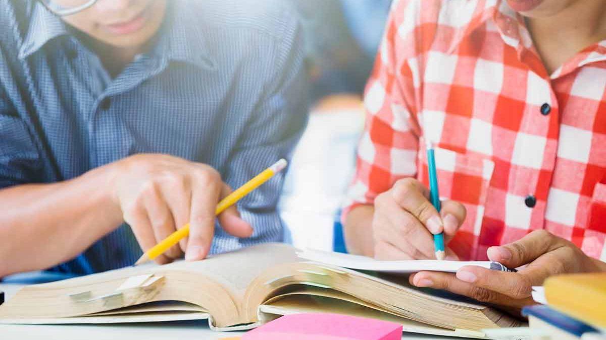 Filhos no colegial – Saiba como orientá-los para uma carreira